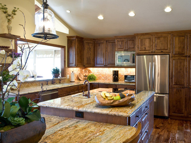 Traditional Kitchen by Burgin Construction