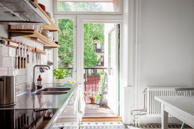 Scandinavian Kitchen by Ahre Fastighetsbyrå