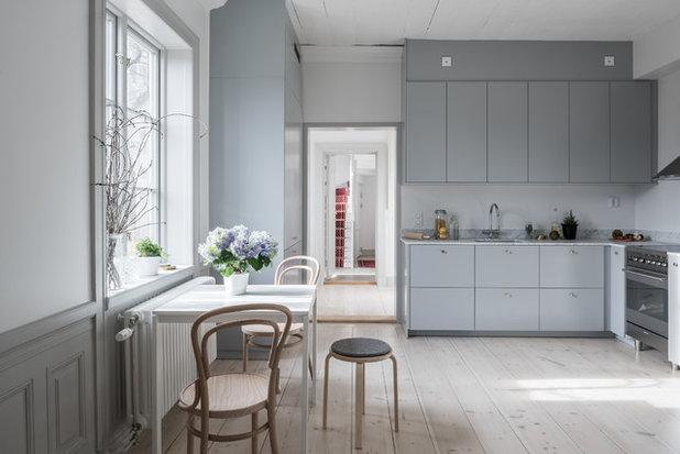 Skandinavisch Küche By Urban Properties