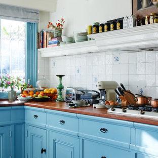 バルセロナのトラディショナルスタイルのおしゃれなキッチンの写真