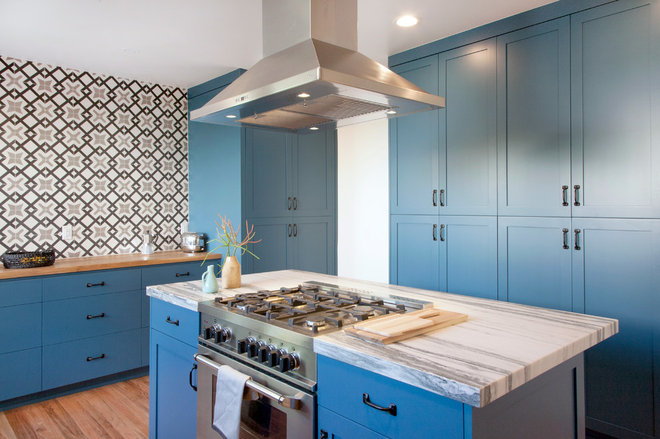 Transitional Kitchen Galleri