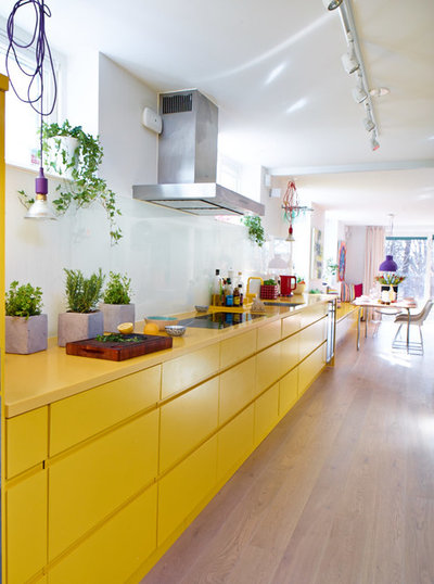 Contemporary Kitchen by MAKE SPACE