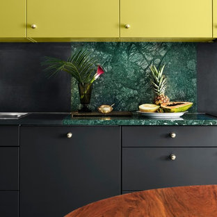 ストックホルムのエクレクティックスタイルのおしゃれなキッチンの写真
