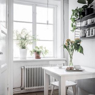 Small scandinavian kitchen ideas - Example of a small danish kitchen design in Gothenburg