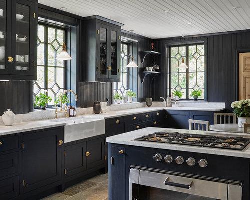 Foton och inspiration för lantliga kök, med en köksö