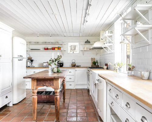 Best 15 Farmhouse Kitchen with Wood Countertops Ideas & Remodeling Pictures | Houzz