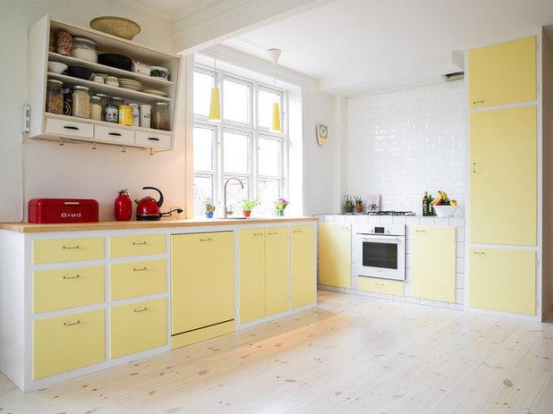 Scandinavian Kitchen by Det Mondæne Skur
