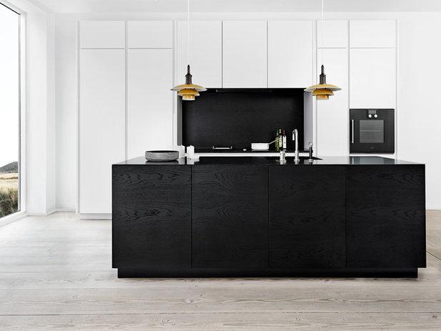 Modern Kitchen by Multiform