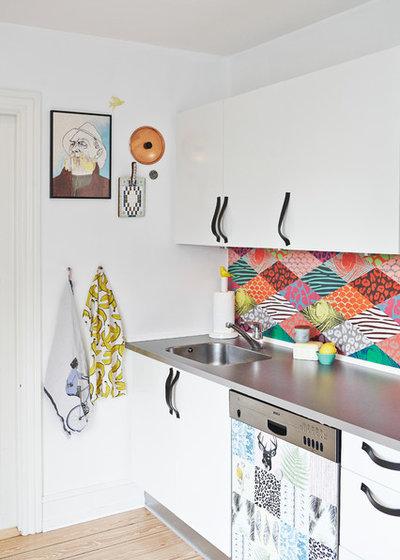 Kök kök eklektisk : Houzz Tour: Stylistens hem är glatt, färgrikt och fyllt med second ...