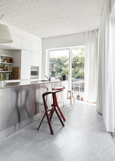 Contemporáneo Cocina by Mia Mortensen Photography
