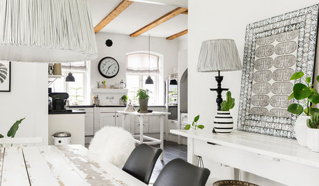 Houzz Tour: Scandi Chic Updates a 19th Century Farmhouse