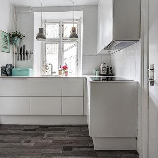 Hvidt køkken til lille lejlighed