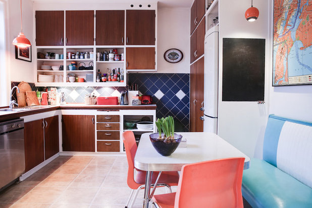 Midcentury Kitchen by Maimouselle
