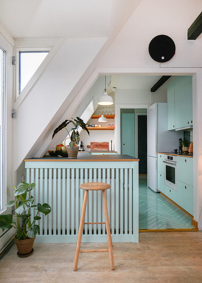 Scandinavian Kitchen by Fotograf Camilla Ropers
