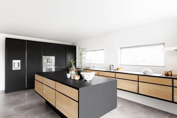 Scandinavian Kitchen by Garde Hvalsoe