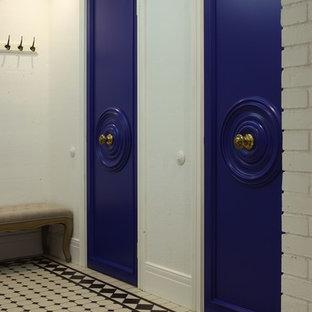 На фото: коридоры в стиле фьюжн