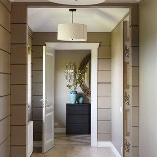 На фото: коридор среднего размера в современном стиле с серыми стенами, светлым паркетным полом и бежевым полом с