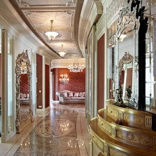 На фото: коридоры в викторианском стиле