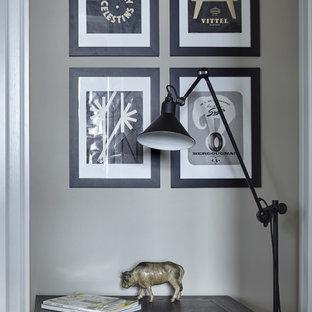 Создайте стильный интерьер: коридор в стиле современная классика с серыми стенами - последний тренд