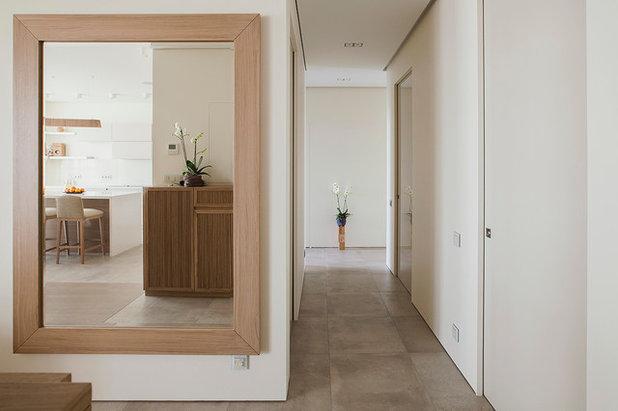 コンテンポラリー 廊下 by Ariana Ahmad Interior Design