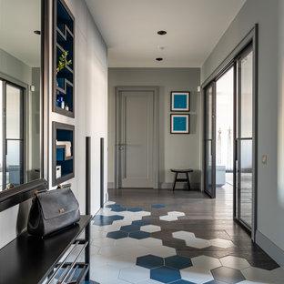 На фото: коридоры в современном стиле