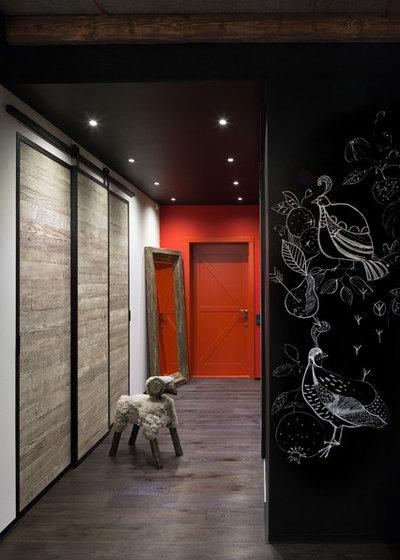 Industriel Couloir by Martin's