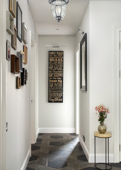 Traditional Hallway & Landing by DVSinteriors