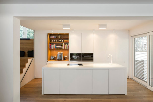 Modern Kitchen by mo+ architekten