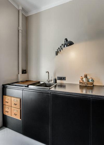 ma arbeit vor ort eine kohlrabenschwarze k che in m nchen. Black Bedroom Furniture Sets. Home Design Ideas