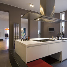 Contemporary Kitchen by BERLINRODEO interior concepts