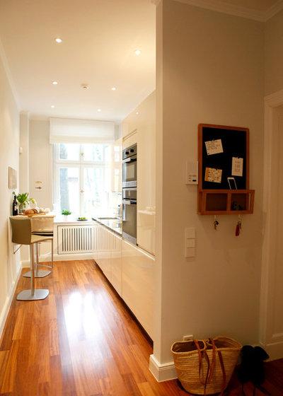 vorher nachher zwei zimmer k che bad balkon in neuem alten glanz. Black Bedroom Furniture Sets. Home Design Ideas