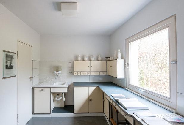 Midcentury Kitchen by Kate Jordan Photo