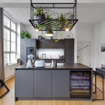 Berliner Loft mit Kappendecken im modernen Stil