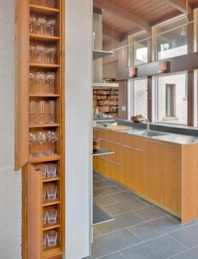 Contemporary Kitchen by Antje Bulthaup Architektin