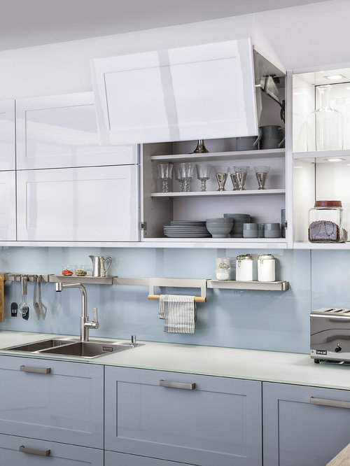 Inspiration For A Contemporary Kitchen Remodel In Stuttgart With A Drop In  Sink, Shaker