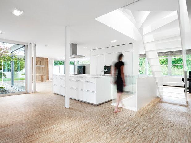 Modern Küche by Christ.Christ. associated architects GmbH