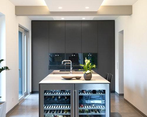 zweizeilige k chen mit zementfliesen ideen design bilder houzz. Black Bedroom Furniture Sets. Home Design Ideas