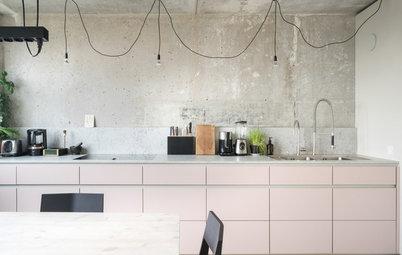 Coole Kombi: Eine rosa Küche im Berliner Plattenbau