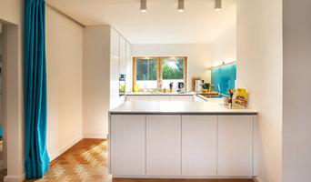 gemütliche Wohnküche in weiß