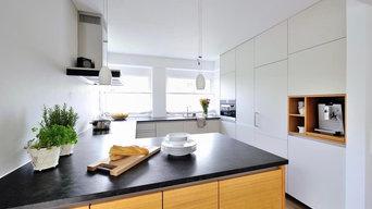 Grifflose, weiße Küche
