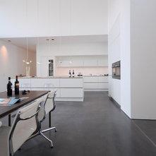 sussi staugaard 39 s id er en id bog af sussi staugaard. Black Bedroom Furniture Sets. Home Design Ideas