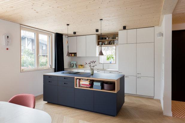 Modern Küche by IFUB*