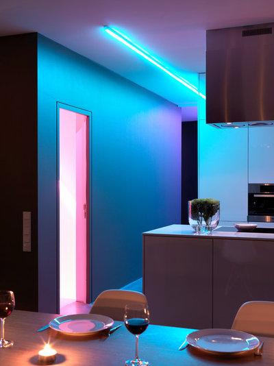 Contemporary Kitchen by Ippolito Fleitz Group – Identity Architects