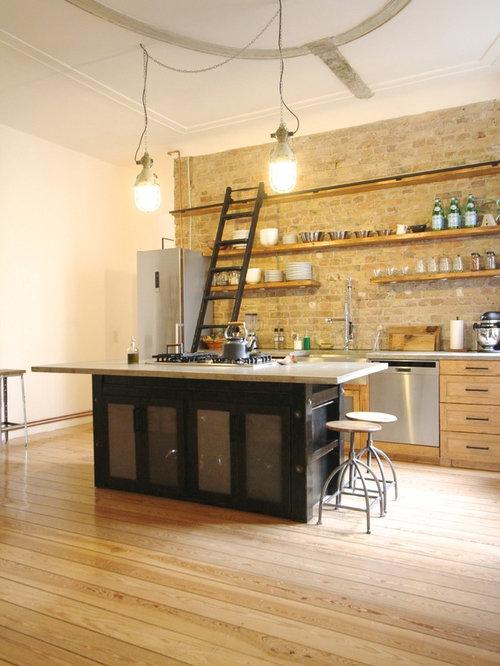 Einzeilige Küchen mit hellbraunen Holzschränken Ideen, Design ...
