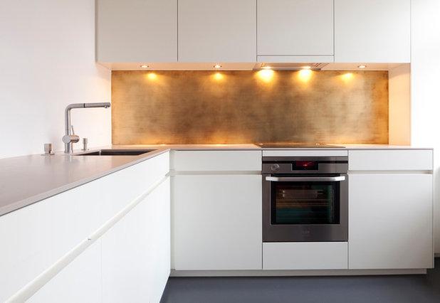Современный Кухня by APRIL UND BONNIE GmbH
