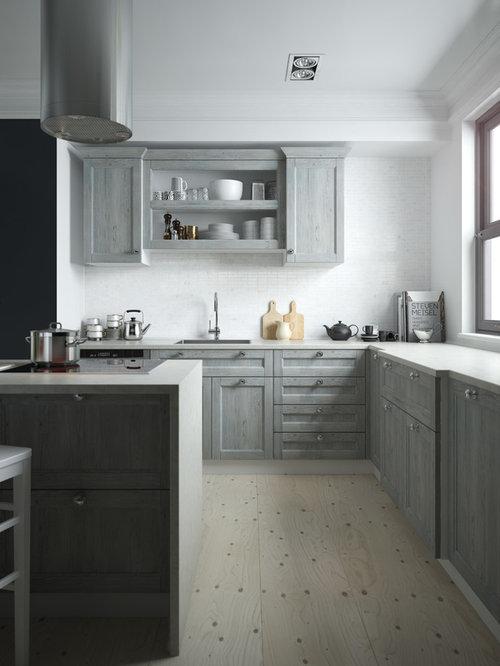 Geschlossene, Mittelgroße Landhaus Küche In U Form Mit Einbauwaschbecken,  Kassettenfronten, Grauen Schränken