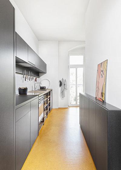 Schmale Küche 9 tipps wie sie eine kleine schmale küche einrichten