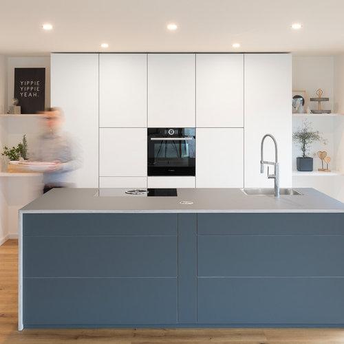 Küchen mit Laminat-Arbeitsplatte und Rückwand aus Holz Ideen ...