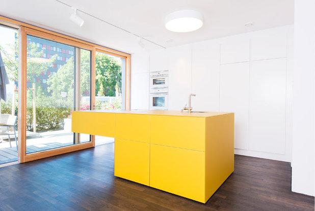 Eine gelbe Küche in München
