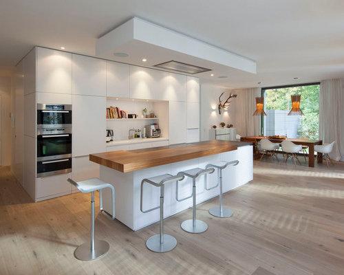 Expansive galley kitchen diner design ideas renovations for Galley kitchen diner designs
